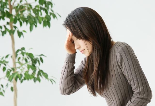 症状が悪化すると頭痛やめまい等を誘発します